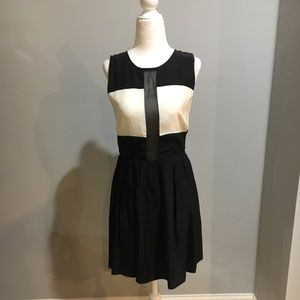 Parker black & ivory sleeveless silk dress